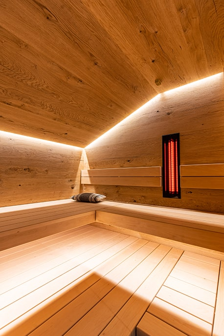 Sauna eingepasst unter Dach