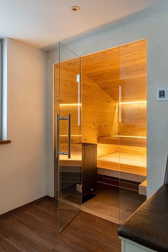Sauna mit Glasfront Einblick