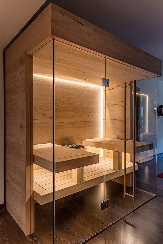Sauna mit Glasfront raumsparend